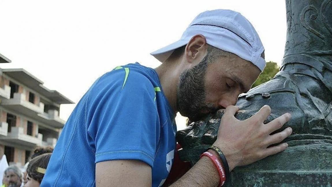 Dalla ferrovia ai 500 km dell'ultra maratona: l'impresa di Simone Leo all'Atene-Sparta-Atene